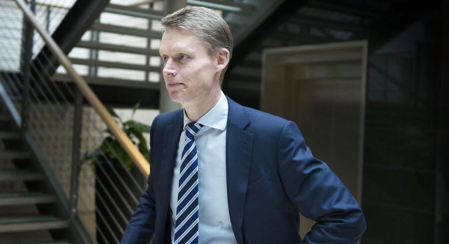 Henrik Poulsen, adm. direktør i DONG Energy, har efter de enorme nedskrivninger tidligere på året netop afleveret årsregnskab for 2015.