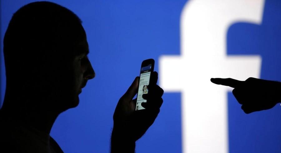 Flere og flere bruger sociale medier som Facebook og Twitter på arbejdspladsen, og det kræver retningslinjer fra ledelsen.
