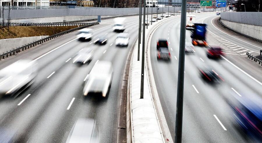 Det gælder om at få fyldt bilen med benzin eller diesel - hurtigst muligt. Priserne på brændstof er nemlig med stor sandsynlighed op, endda ganske betydeligt inden længe.