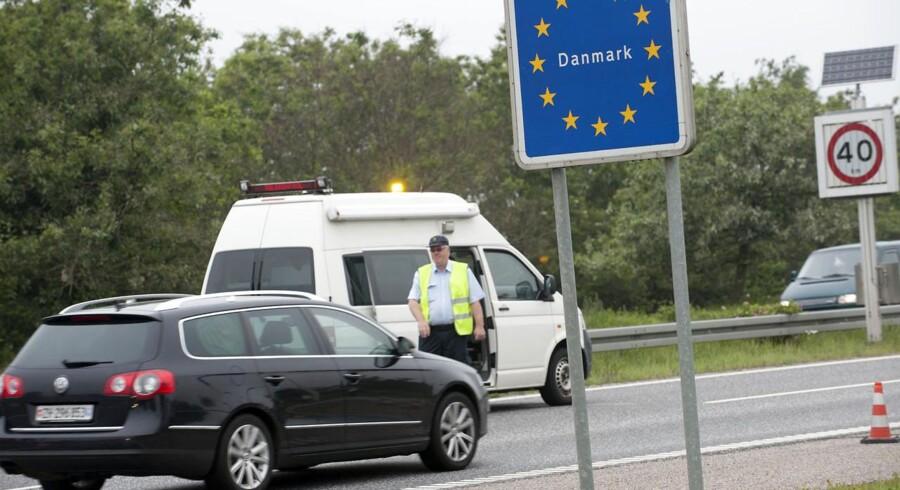 Spørgsmålet om grænsekontrol har været et varmt emne de senere år i forbindelse med debatten om det europæiske Schengen-samarbejde, der har som formål at skabe et fælles område uden indre grænser. Arkivfoto: Claus Fisker