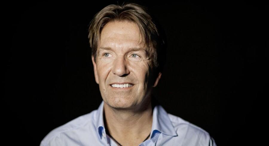 Erik Damgaards private holdingselskab er næsten løbet tør for penge nu.