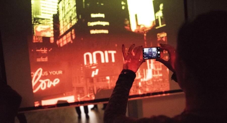 NNIT er i mål med sin børsproces og trykker på børsknappen fredag morgen kl 9 ved et arrangement i deres hovedsæde. Der er løftet stemning og champagne for det er første selskab siden OW bunker, der bliver noteret.
