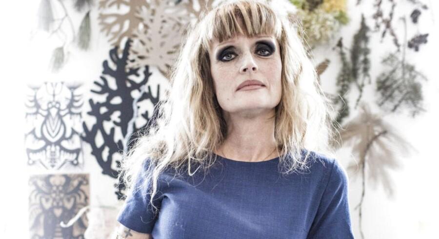 Marianne Eriksen Scott-Hansen, mode- og smykkedesigner, fotograferet i sit værksted i et baghus på Frederiksberg.