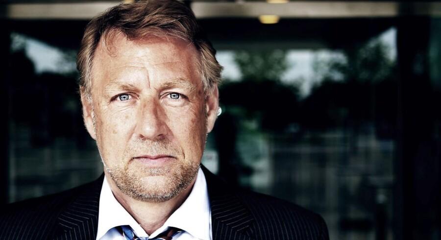 PKA-direktør Peter Damgaard Jensen bliver kritiseret for at have deltaget i ti eksklusive skiture betalt af den britiske kapitalfond Triton.