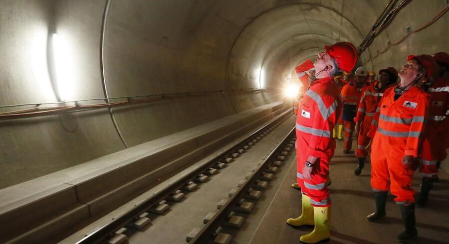 I dag åbnes verdens længste tunnel, Gotthard Base Tunnel, officielt, og dermed er en af nyere tids vildeste ingeniørpræstationer en realitet.