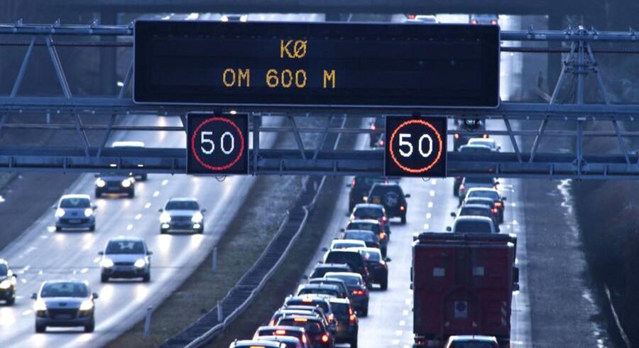 Når de nye elementer til jernbanebroen over Vallensbækgrenen skal transporteres til stedet via Vest- og Køge Bugt motorvejen, vil det ske om aftenen og natten fra den 25. juni til den 28. juni. Trafikken vil blive berørt, og kan risikere at blive meget langsom.