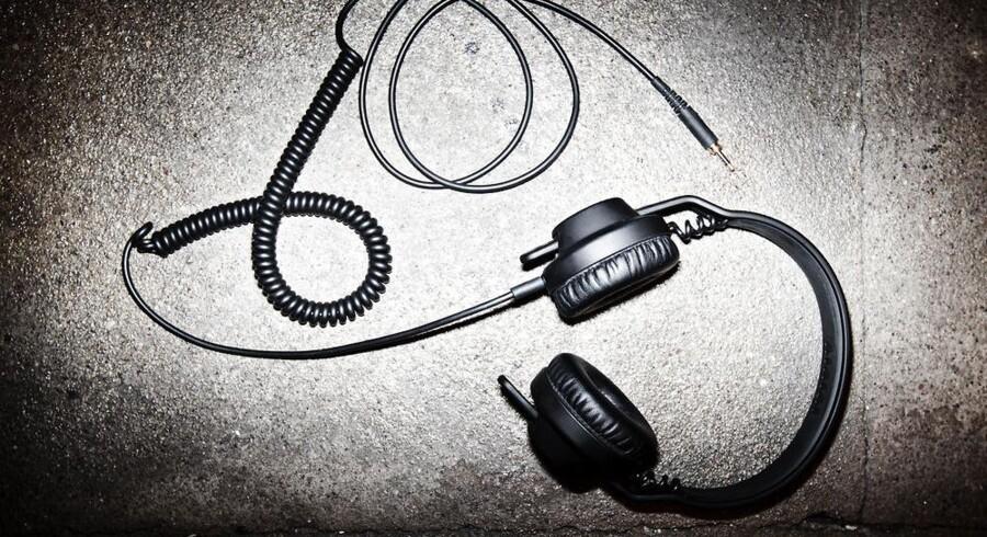 Fra begyndelsen af juni vil man i mere end 1000 amerikanske Best Buy-butikker kunne købe AIAIAIs DJ-headset TMA.