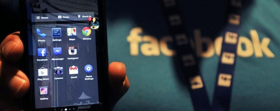Facebooks app Messenger, der fungerer som en slags chattjeneste og giver adgangen til brugerens Facebook-beskeder, kan nu også anvendes til at ringe fra - i stil med Skype og andre tjenester, der gør det muligt at ringe via internetforbindelsen.