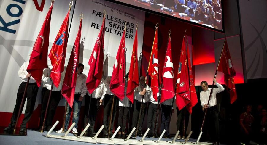 3F startede lørdag deres kongres i Aalborg Kongres og Kulturcenter. Her de røde faners indtogsmarch ved åbningen