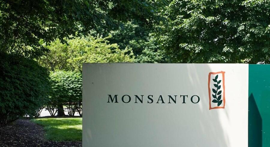 Amerikanske Monsanto, der laver sprøjtemidler og såsæd, skuffede med indtjeningen i tredje kvartal af regnskabsåret 2015/16 og præciserer forventningerne til hele regnskabsåret til den nedre ende af det udmeldte interval.