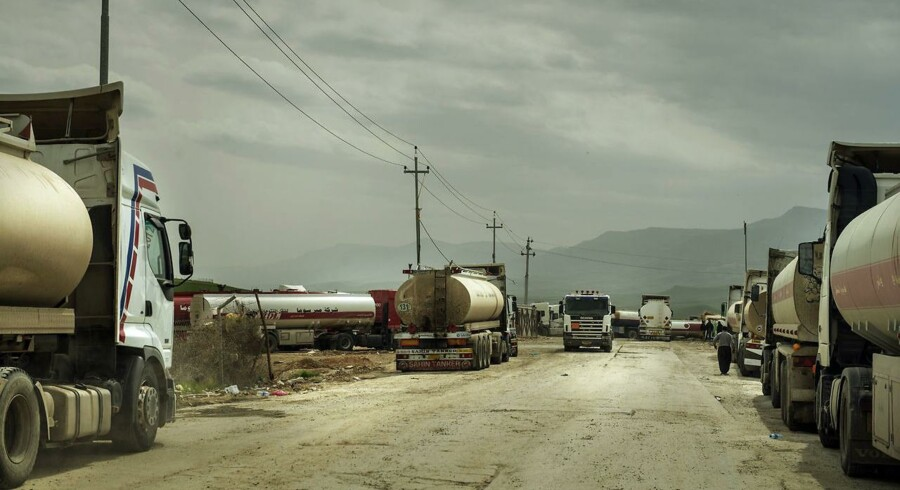 Arkivfoto: Tankbiler med olie på vej til Tyrkiet og Iran.