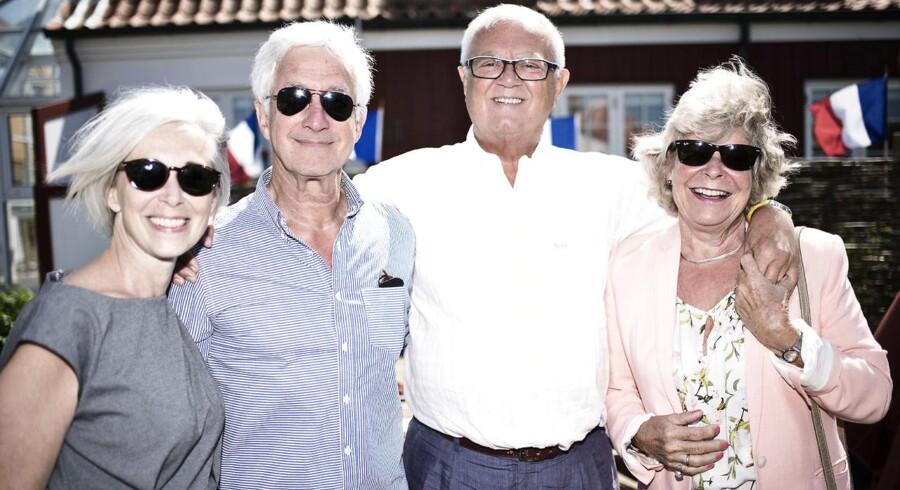 Musiker Eddie Skoller med kone og skuespiller Per Pallesen med kone. Bastilledagen bliver for første gang holdt uden for København. På Strandhotellet i Gammel Skagen blev dagen afholdt tirsdag den 14. juli 2015 med bl.a. den franske ambassadør Francois Zimeray som vært.