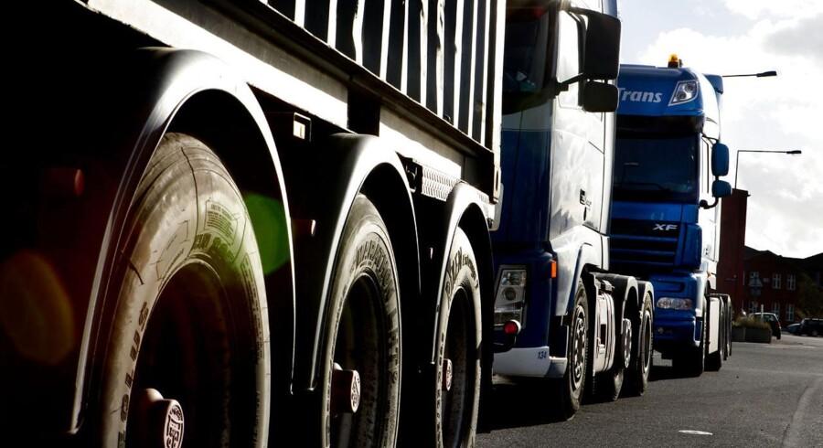Fagforbundet 3F bakker op om et forslag fra SF om at ændre godskørselsloven, så udenlandske lastbilchauffører på danskindregistrerede lastbiler underlægges danske overenskomster.