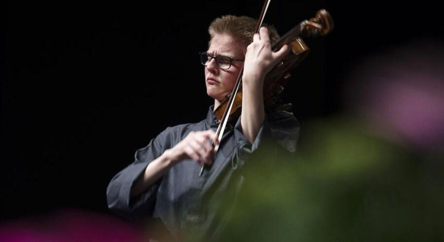 Nicholas Algot Swensen spillede sig til Talentprisen i Berlingskes Klassiske Musikkonkurrence.