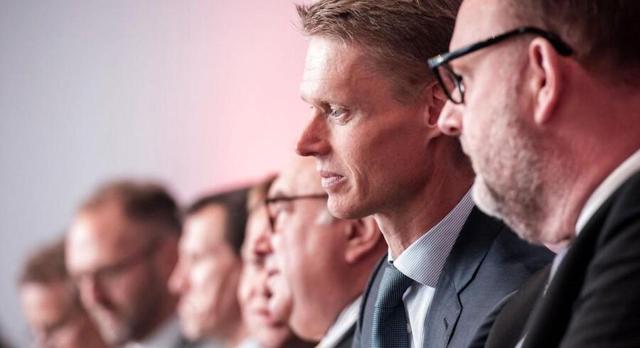 Henrik Poulsen og DONG har fundet deres nye direktør for Investor Relations. Valget er faldet på Henrik Lund fra A.P. Møller - Mærsk. Her er Poulsen fotograferet med klima og energiminister, Lars Christian Lilleholt.