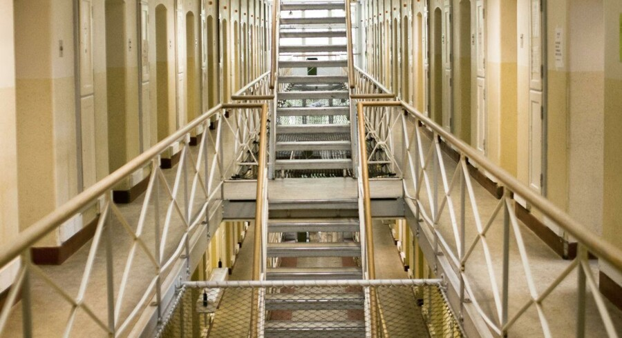 Udenlandske indsatte i danske fængsler skal ikke have ret til uddannelse og job, imens de afsoner deres straf, mener flere borgerlige partier.