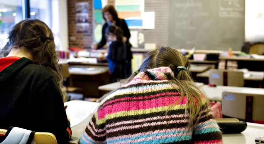 Dedikerede og idealistiske folkeskolelærere opnår de bedste resultater med deres elever - men det er ikke afgørende, om de underviser i et såkaldt linjefag, hvor de på papiret har størst kompetence.