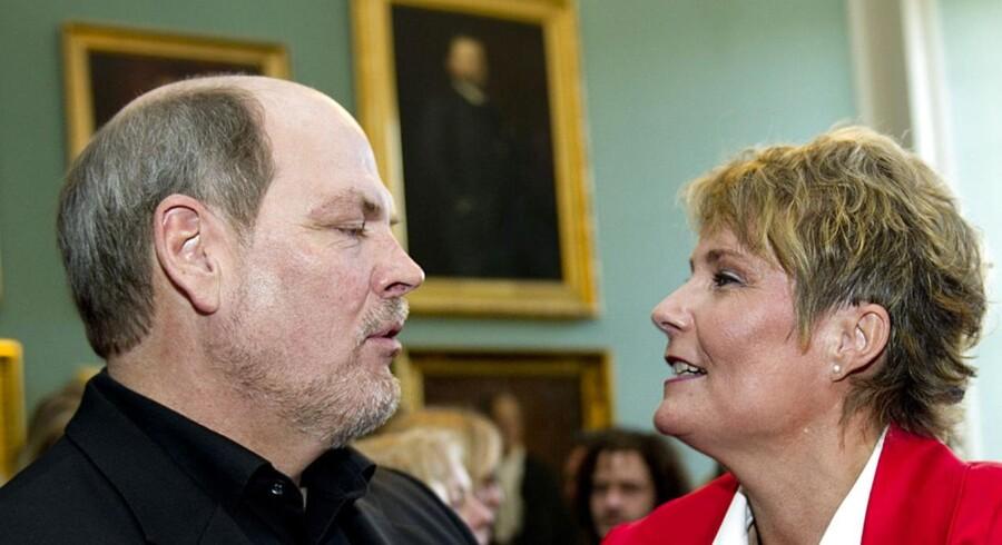 Her er Carsten Hansen sammen med den tidligere Konservative MFer og sidenhen løsgænger Pia Christmas-Møller på hendes 50-års fødselsdag i 2011.