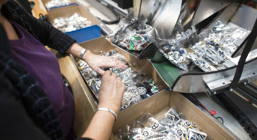 LEGO - Billund - Lego fabrikken - Her pakkeriet der skal nedlægges - Man er igang med at flytte maskiner ud og produktionen bliver mindre og mindre. Produktionen flyttes til en ny fabrik i Tjekkiet.