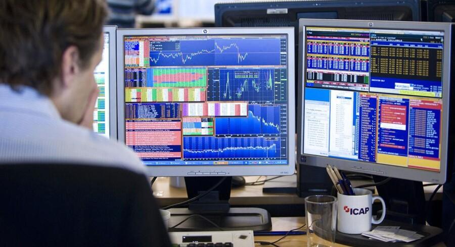 »Det er et kæmpe problem, at en professionel investor i de fleste tilfælde ikke kan forhandle sig frem til en lavere kurtage end en privat investor kan opnå på egen hånd,« konkluderer chefanalytiker i Morningstar Nikolaj Holdt Mikkelsen.