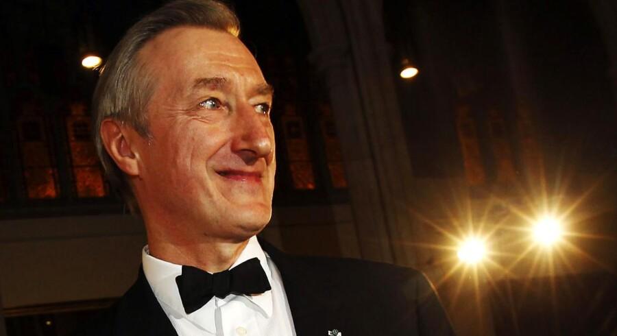 Den britiske forfatter Julian Barnes har netop modtaget den prestigefulde bogpris Man Booker Prize.