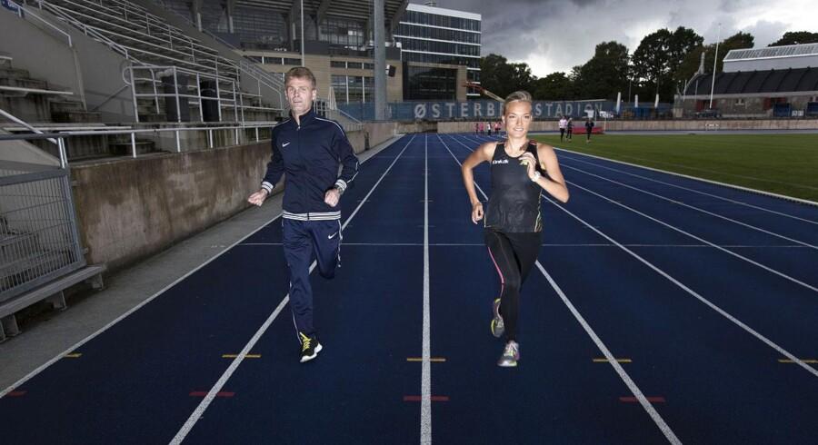 Træner Claus Hechmann og eliteløber Anna Holm Baumeister