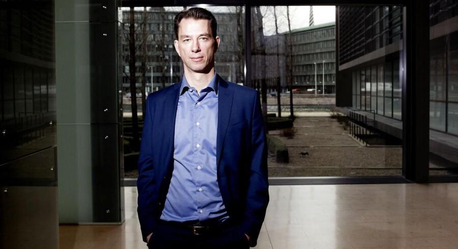 Landets investeringsforeninger er længe blevet kritiseret for at tage overbetaling, og fredag tog Nordea Invest konsekvensen og fjerner to af de omstridte gebyrer. På billedet ses Eric Pedersen, direktør i Nordea Invest, som er glad for at kunne fjerne de to gebyrer.