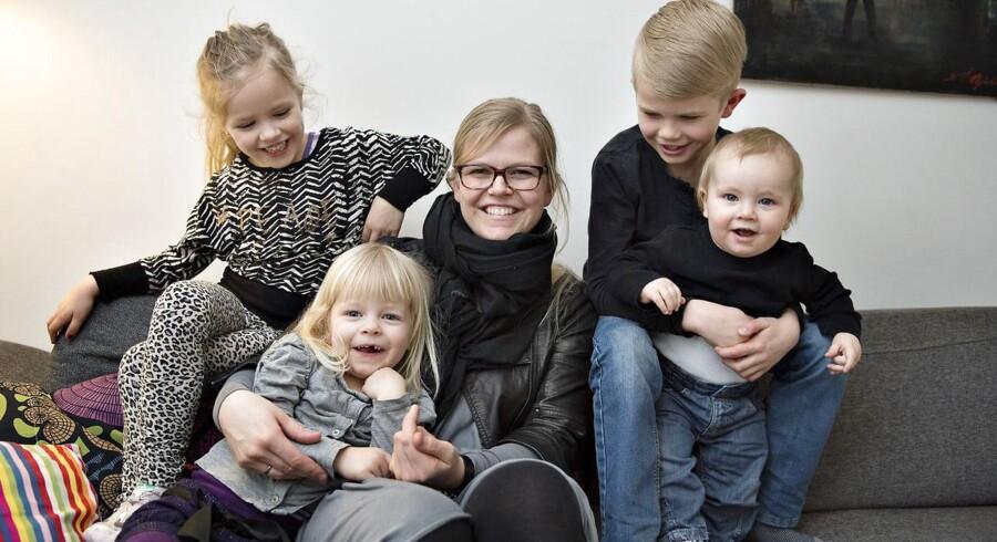 Arianne Nørhave har ammet sine fire børn i de seks måneder, som sundhedsstyrelsen anbefaler. Men med barn nummer tre var det noget af en prøvelse, da datteren fik trøske, som førte til en smertefuld brystbetændelse for Arianne Nørhave.