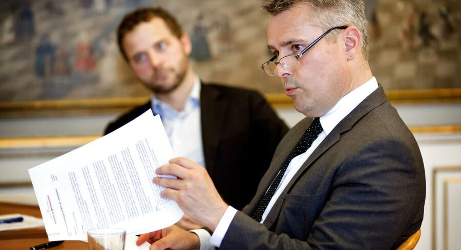 erhvervsminister Henrik Sass Larsen og skatteminister Morten Østergaard I erhvervsministeriet