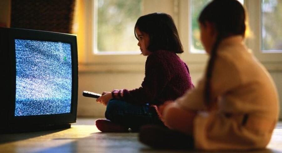 Der er igen risiko for sne på skærmen, selv på de nyere fladskærmsfjernsyn. For TV-signalet skifter nemlig en gang mere. Foto: Colourbox