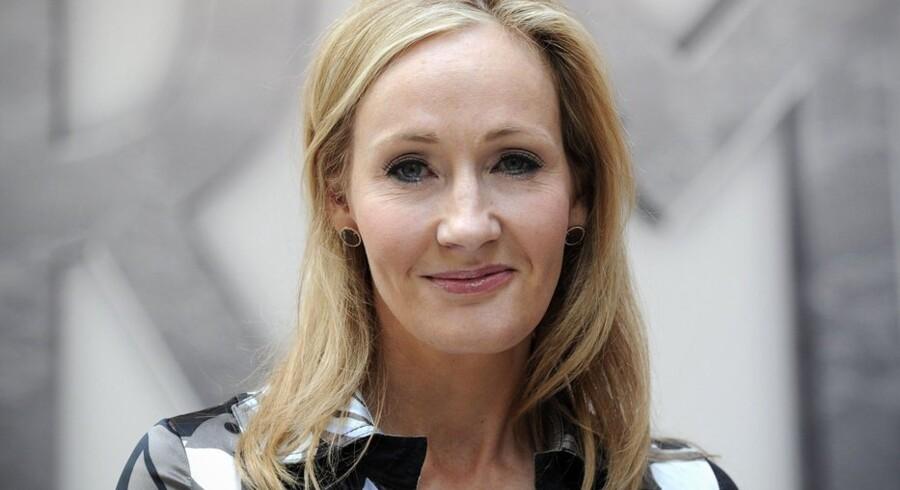 Den britiske forfatter og »mor« til Harry Potter, J.K. Rowling, afslører, at hun er ved at forberede et teaterstykke med et nyt kapitel om drengen med de magiske evner. Foto: Carl Court/AFP