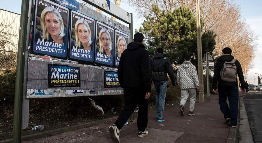I Frankrig har Marine Le Pens Front National vundet en massiv sejr ved søndagens regionalvalg. Og dermed er der også i Frankrig udbredt opbakning til et EU-kritisk parti. Professor Uffe Østergaard mener, at der ofte ligger nationale forklaringer bag: »I alle lande er der et stort element af, at det er de underprivilegerede, der stemmer imod.«