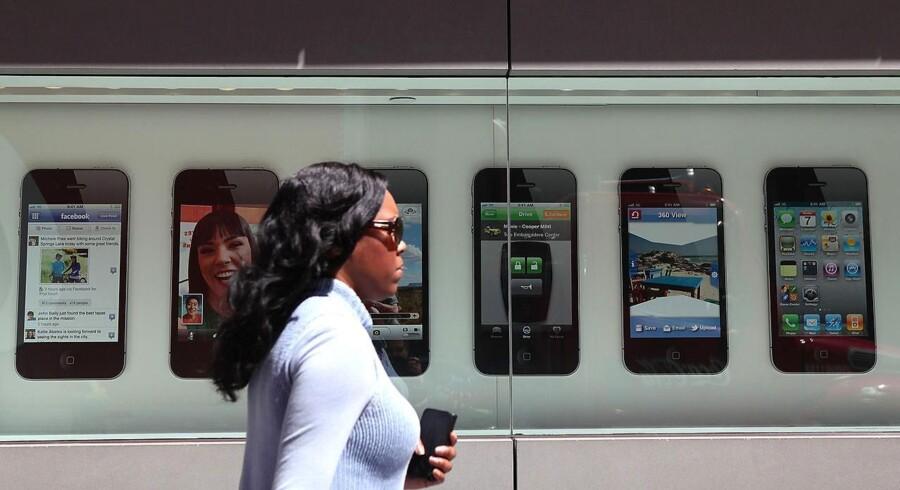 I de kommende år vil vi se en kraftig vækst på annoncemarkedet på den mobile platform. En af årsagerne er smartphones, avancerede mobiltelefoner som iPhone.