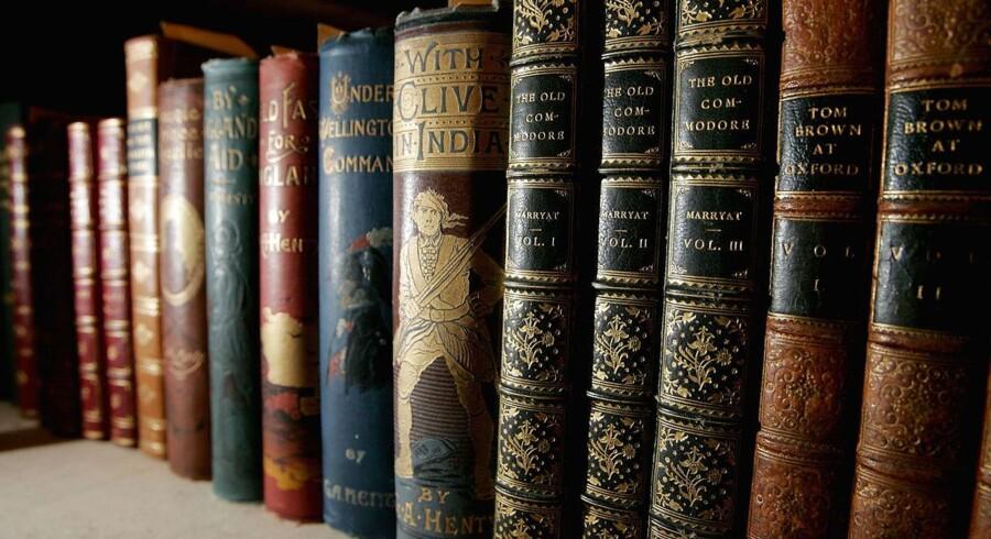 Arkivfoto: Bøger på hylden på Stanford Universitys bibliotek.