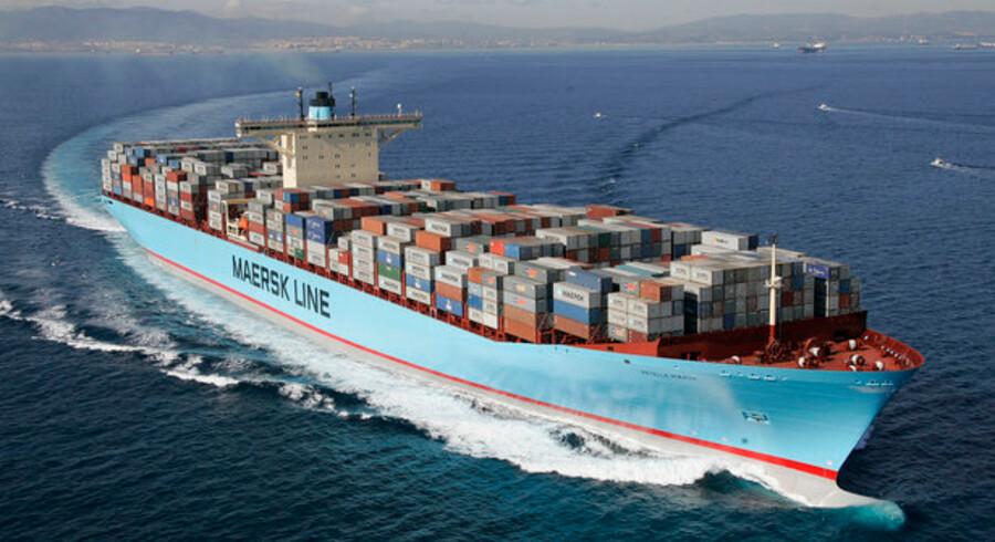Maersk-skibe som Estelle Maersk bruger tonsvis af brændstof dagligt, og prisen på skibsbrændstof er i år steget massivt.