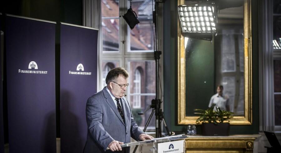 Finansminister Claus Hjort Frederiksen præsenterer økonomisk redegørelse.