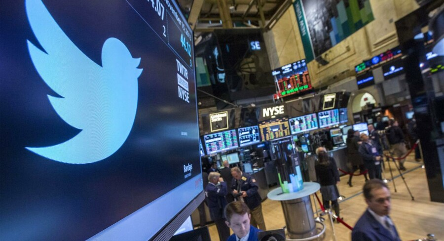 Når halvårsregnskabet den 29. juli bliver offentliggjort vil selskabet lancere en ny kurs, der skal vise brugere og investorer, at Twitter ikke bare er en mindre udgave af Facebook.