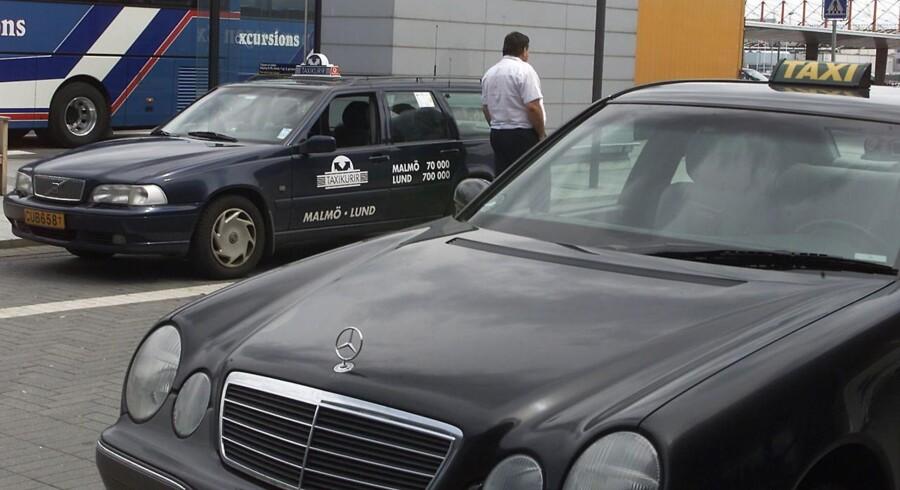 Københavns Lufthavne er træt af lange taxikøer, og derfor sættes taxikørslen nu i udbud.