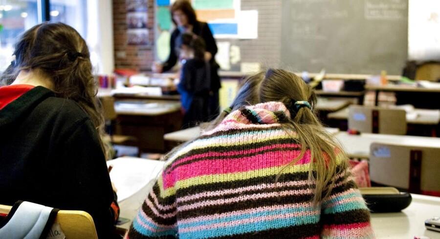 »Skolerne oplever, at der kommer børn ind i klasserne, som har svært ved at koncentrere sig om undervisningen og ikke kan tage imod læring, fordi de er kede af det og følelsesmæssigt påvirket af forældrenes skilsmisse,« konstaterer Søren Marcussen, uddannelsesleder på Center for Familieudvikling.