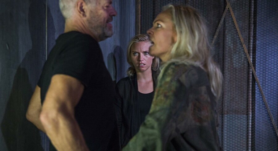 Victor Marcussen, Josephine Park og Trine Pallesen i Thomas Markmanns opsætning af »Små forstyrrelser« på Teater Grob. Foto: Christian Geisnæs