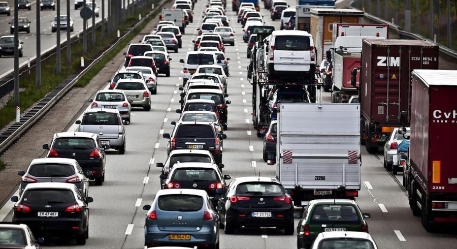 I 2014 brugte danskerne nemlig hele 18 milliarder kroner på at forsikre deres biler.