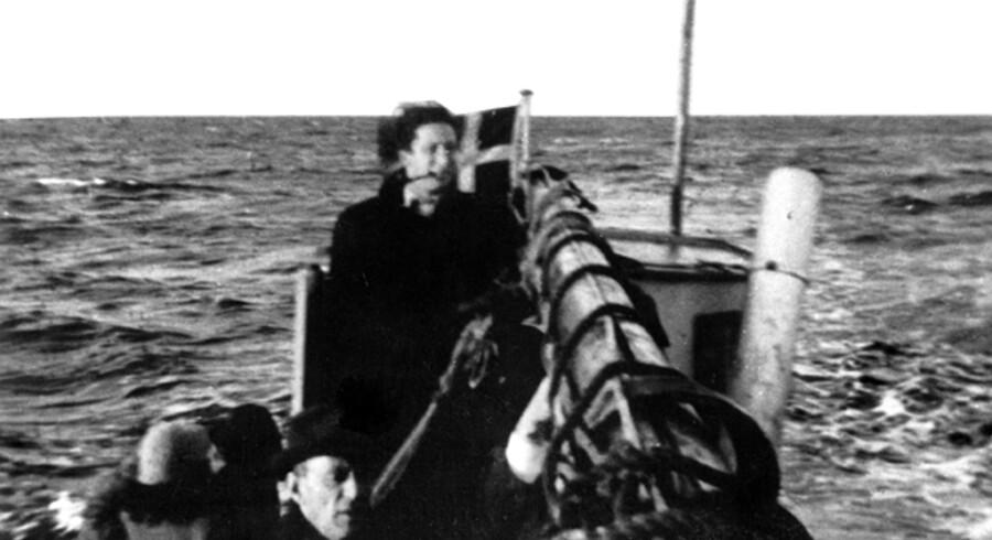 Fra flugten i oktober 1943, hvor en fiskerbåd er på vej fra Falster til Ystad i Sverige. Fotoet er taget af Mogens Margolinsky og gengives i bogen »Ikke noget at tale om«.