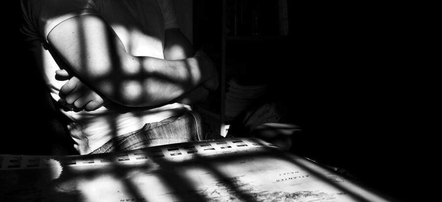 Den hårde kriminalitet blandt helt unge synes faldende. I hvert fald viser en ny redegørelse fra Danske Regioner, at belægningsprocenten på de otte sikrede institutioner for unge hårdkogte kriminelle mellem 15 og 17 år hen over sommeren faldet til 74 pct. – betydeligt under målsætningen på 85 pct. Det kan munde ud i yderligere lukninger af de dyre institutionspladser.