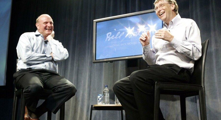 Steve Ballmer (til venstre), som siden 2000 har været Microsofts topchef, skal afløses, og Bill Gates (til højre) er som bestyrelsesformand med til at finde hans afløser. Arkivfoto: Robert Sorbo, Microsoft/Reuters/Scanpix