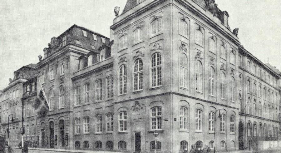 Dehns Palæ på hjørnet af Bredgade og Frederiksgade. Foto fra Danske Slotte og Herregårde, bd. 2.