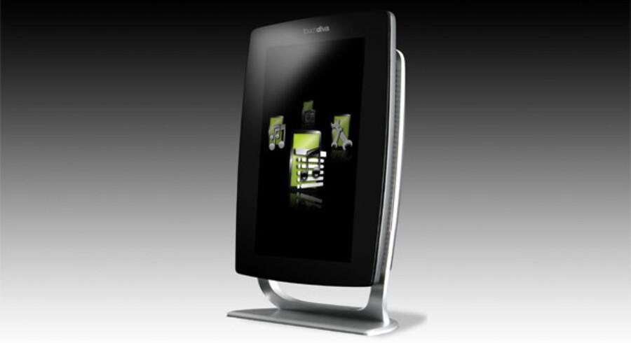 TouchDiva med en 15,4 tommer, trykfølsom skærm har to betjeningsknapper (tænd/sluk og genstart) og indbygget B&O-forstærker. Fjernbetjeningen er på størrelse med en lighter; her man kan tænde/slukke, vælge numre og spole. Hver dag kommer omkring 200 nye numre til i musiksamlingen af godt to millioner numre, der kan aflyttes.