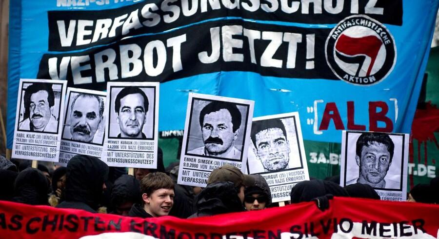 Antifascistisk demonstration i Berlin i dag markerede solidariteten med Tysklands immigranter efter de formodede nynazistiske drab på ni indvandrere.