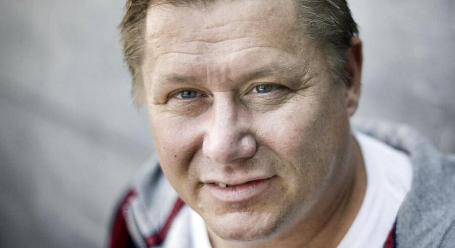 Kasi-Jesper bliver Formel 1-sponsor. Den tidligere storsponsor i superligaklubben Brøndby Jesper Nielsen køber sig til reklameplads i Lotus-bilen. Jesper Nielsen, som tidligere var storsponsor i superligaklubben Brøndby og bagmand til håndboldprojektet AG København, træder nu ind i Formel 1. Kasi-Jesper, som han kaldes, skriver selv på sin Facebook-profil, at hans firma Endless Jewelry har købt sig til en prominent plads på Lotus-raceren. Det er officielt. Fra Texas' grandprix 2. november træder Endless ind som sponsor for Lotus. En drengedrøm går i opfyldelse, skriver han.