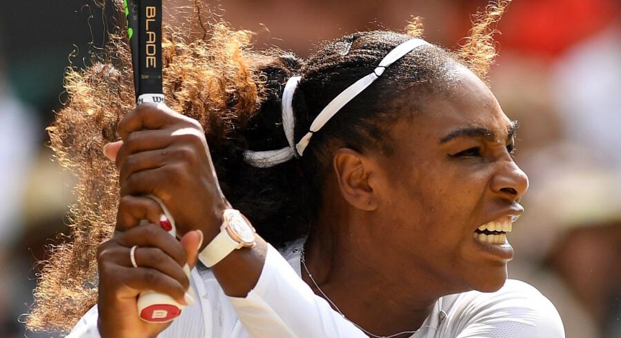 Serena Williams var topfokuseret mod Julia Görges, da hun for fjerde gang i karrieren besejrede tyskeren og bookede endnu en Wimbledon-finale. Glyn Kirk/Ritzau Scanpix