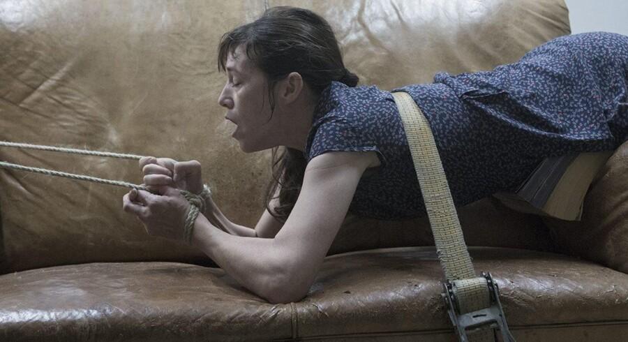 "Charlotte Gainsbourg som ""Joe"" i en sadomasochistisk situation i Lars von Triers ""Nymphomaniac"". Foto: Christian Geisnæs/Zentropa"